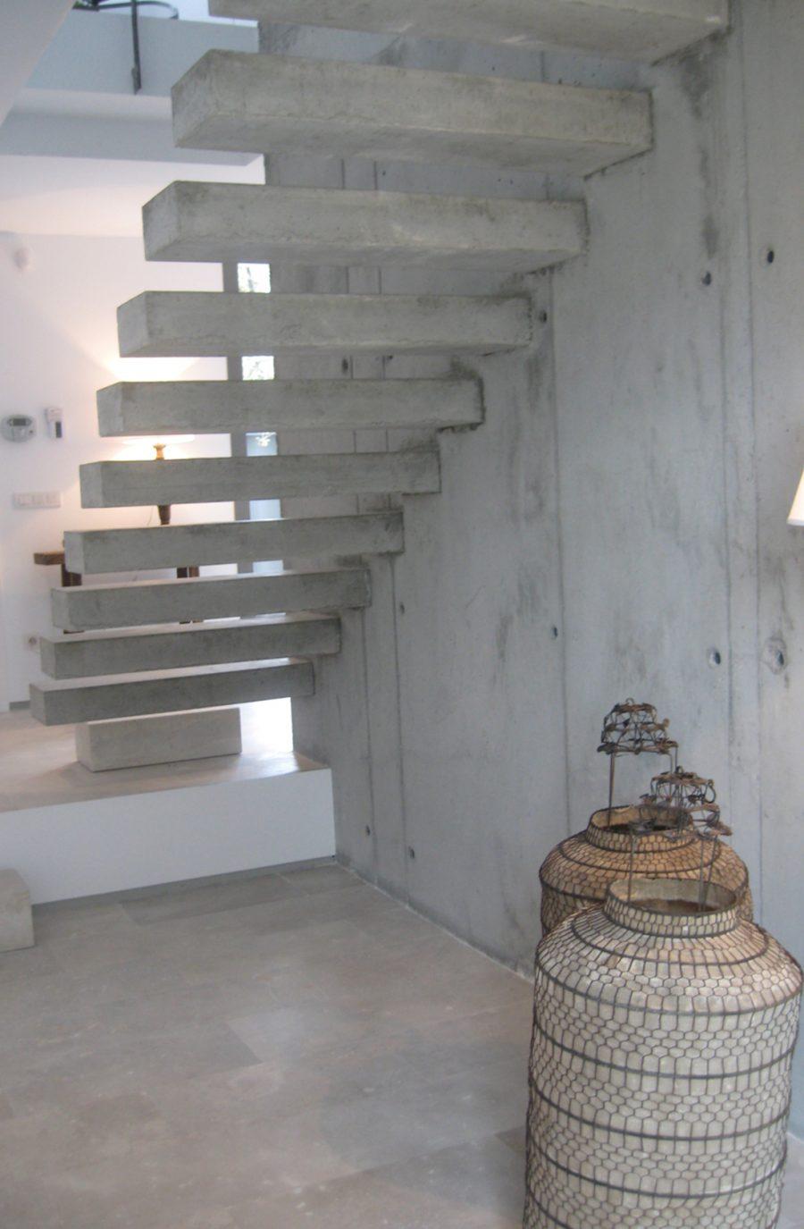 Casa mar de encinas escalera 2