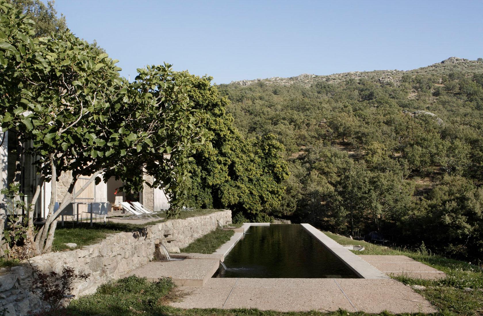 Piscina natural de Finca Extremadura proyecto ÁBATON