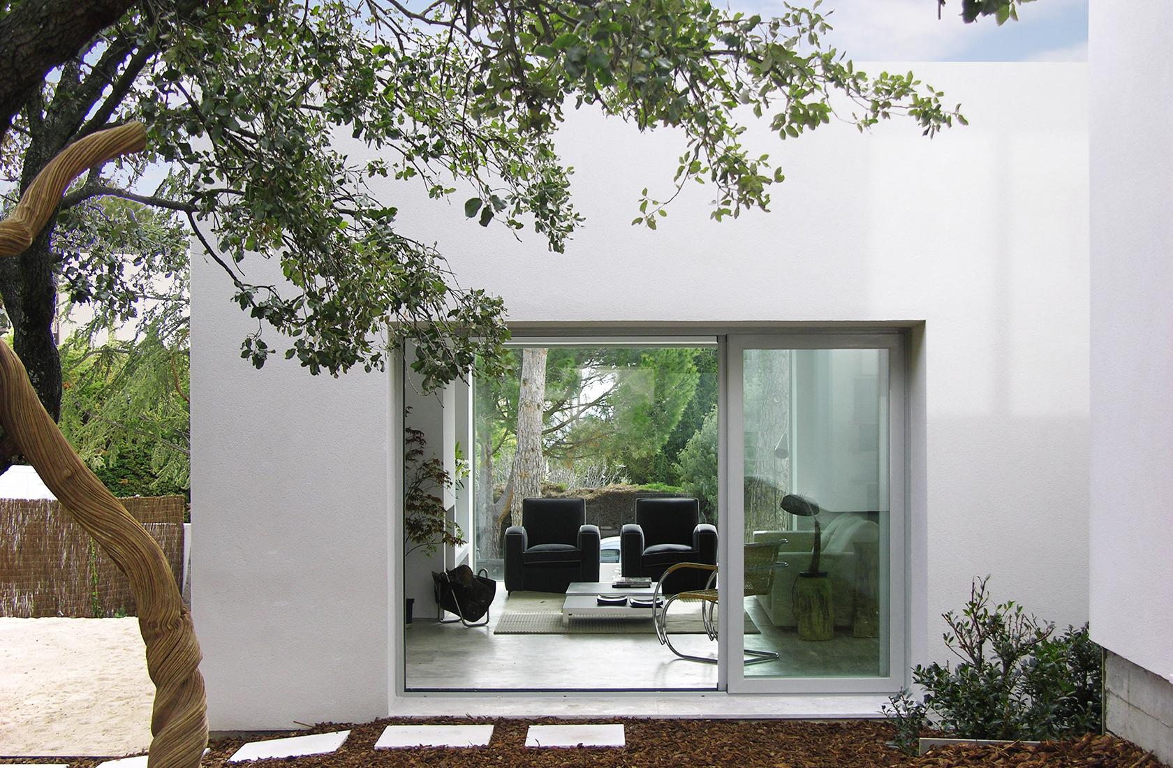 Promocion los robles vista exterior interior