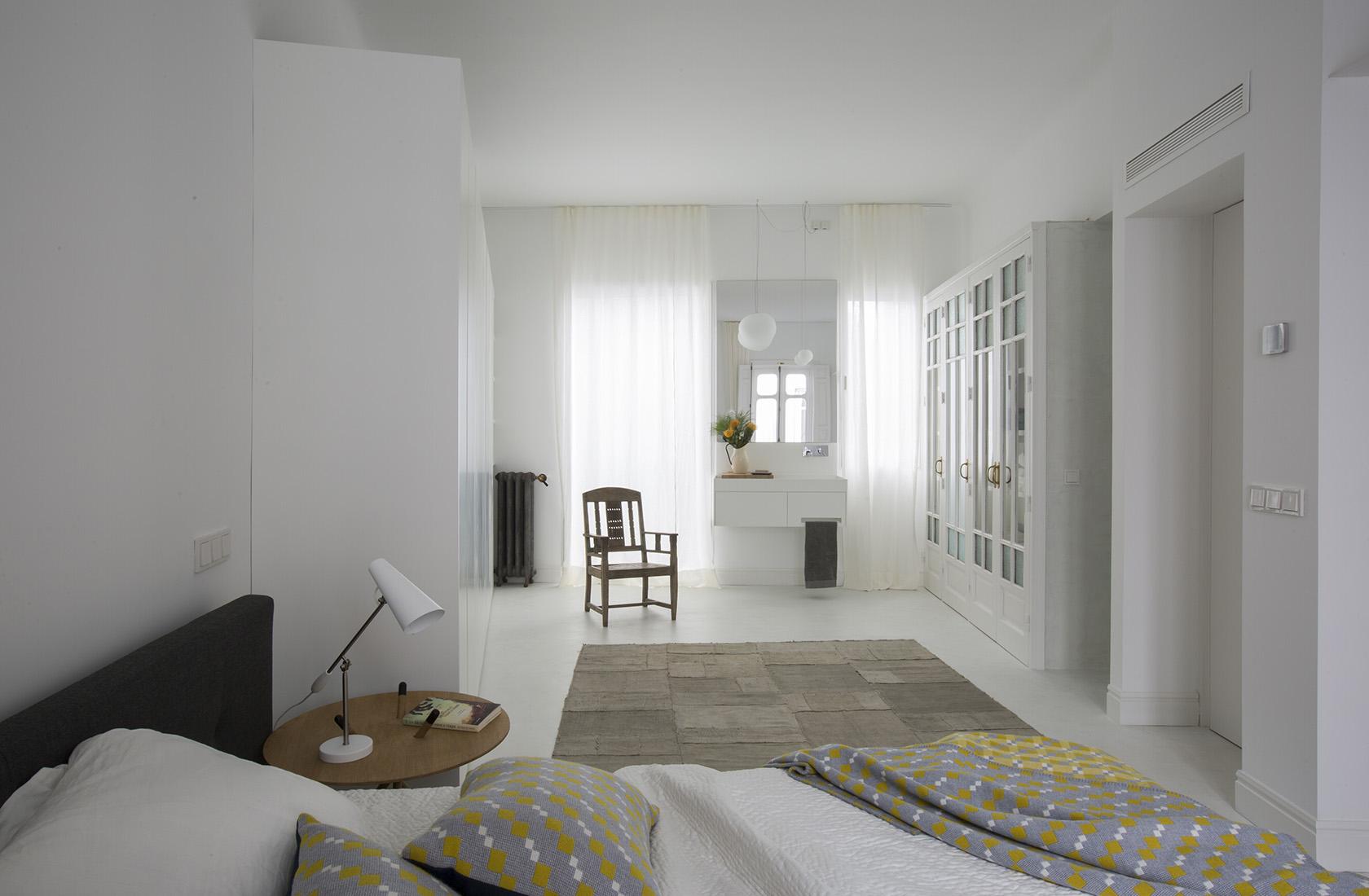 Dormitorio principal en suite de la rehabilitación y reforma integral Sagasta