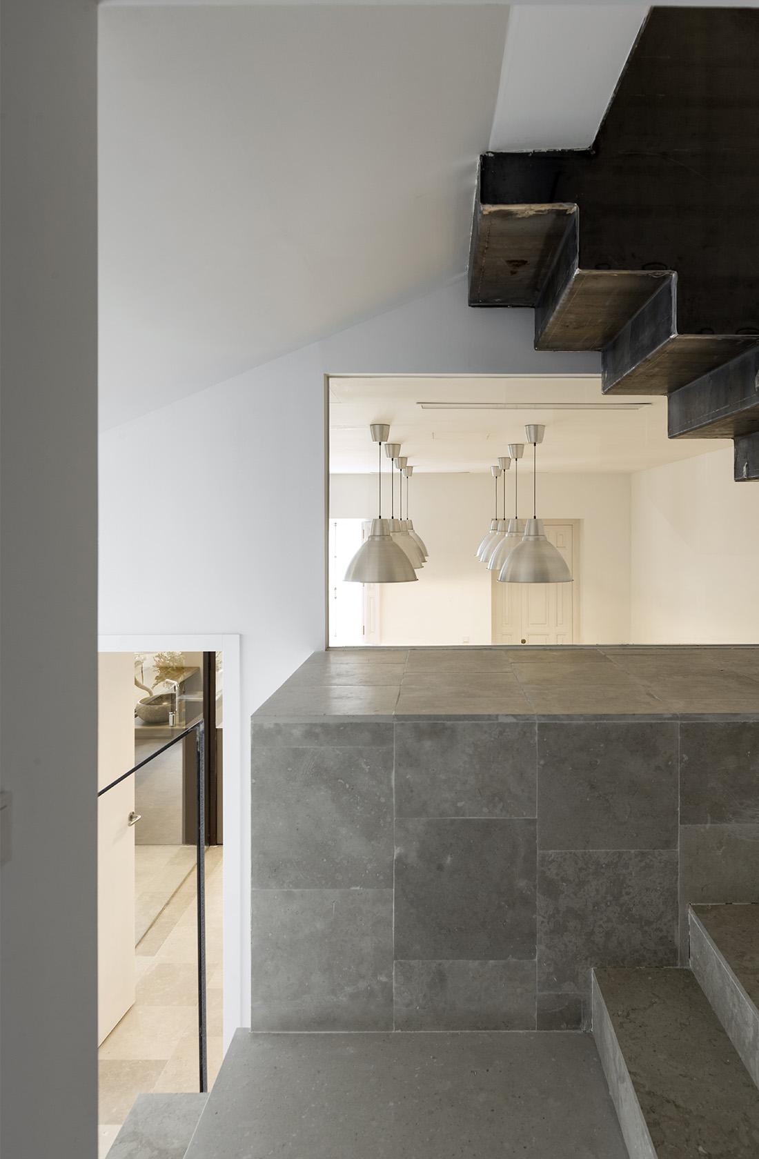 Escaleras del duplex Clínica Dental Atelier González-Solano