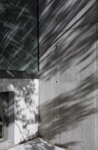 Muros de  hormigón, sede ÁBATON Arquitectura
