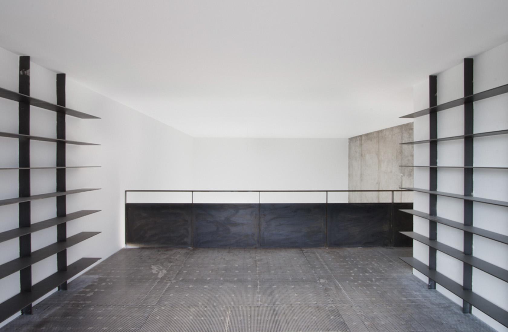 Promocion viviendas aravaca estanteria