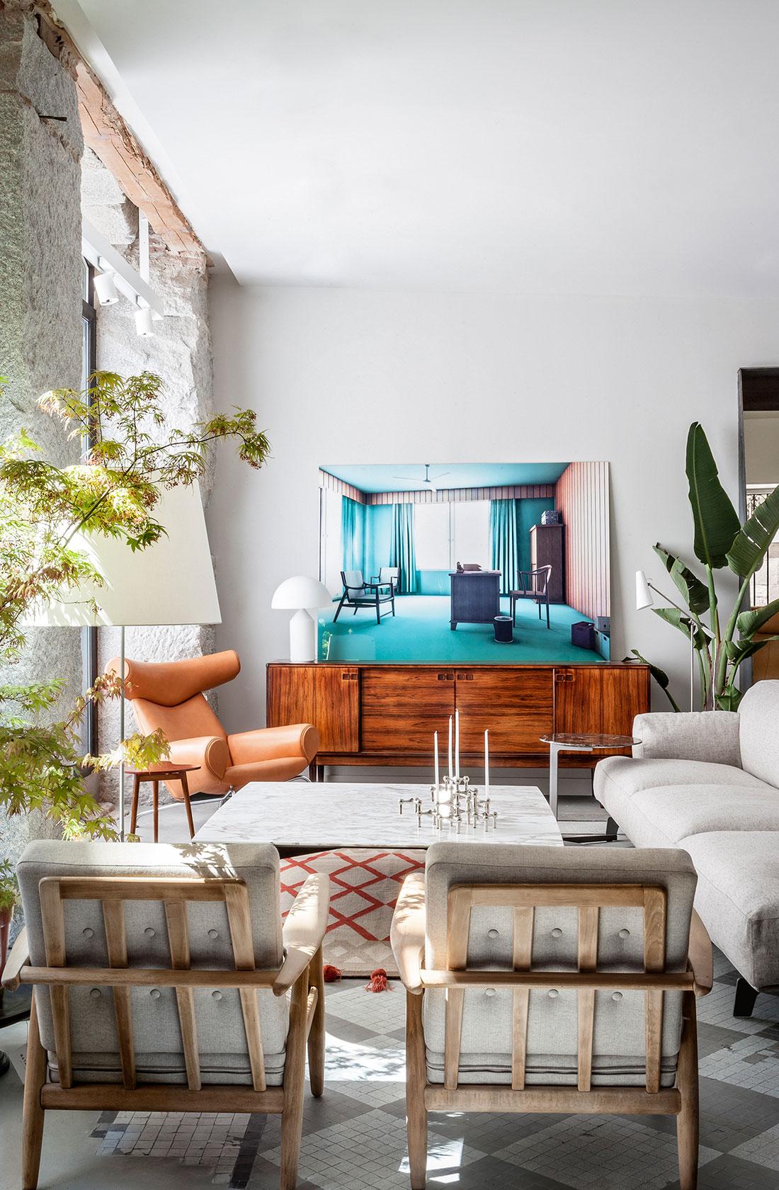Salón con muebles de primeras marcas internacionales en BATAVIA